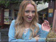 Tvoje virtuálne rande s Carmen Callaway (HD) porno video