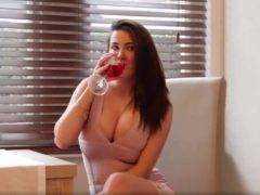 Obrázok Keď bohyňa popíja víno
