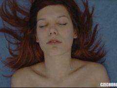 Obrázok Záber na českú babu, ktorá má orgazmus