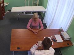 Fake hospital – preventívna prehliadka porno video