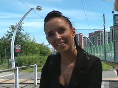 Rychlý prachy – takto Gina Devine začínala v porno biznise porno video