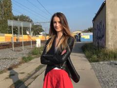 Rychlý prachy – mladá slečna z Chomutova porno video