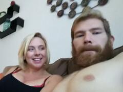 Mamine vibrátor nestačil a tak vyjebala aj syna porno video