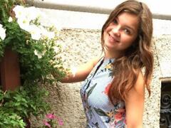 Nemecký public agent – naivnú osemnástku naláka na sex porno video