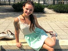 Nemecký public agent uloví mladú lolitku porno video