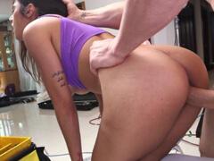 Mia Khalifa potrebovala konečne tvrdo vyjebať porno video