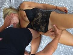 Zrelej mamine postriekal cecky semenom porno video