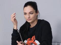 SBS ju pristihla kradnúť – musela s ním jebať! porno video