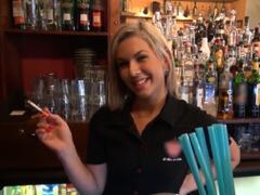 Barmanka z Čiech si zajebe za prachy porno video